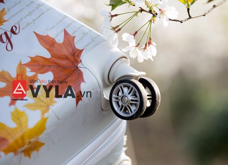 Vali kéo nhựa họa tiết lá phong đẹp