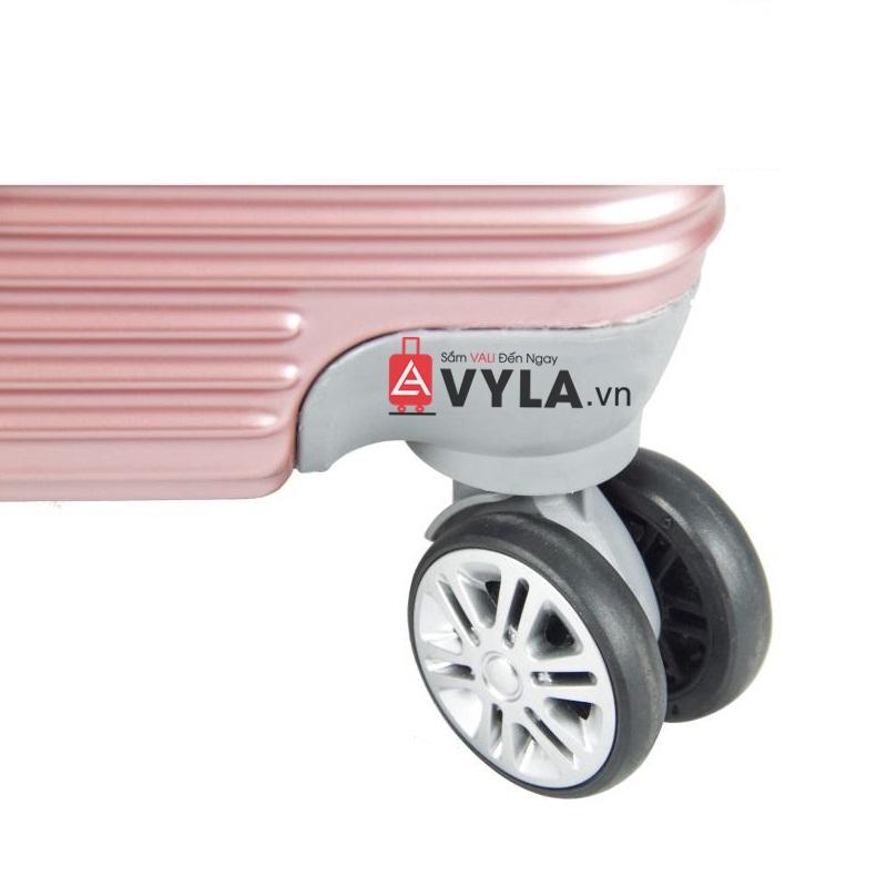Hệ thống bánh xe có thể xoay 360 độ