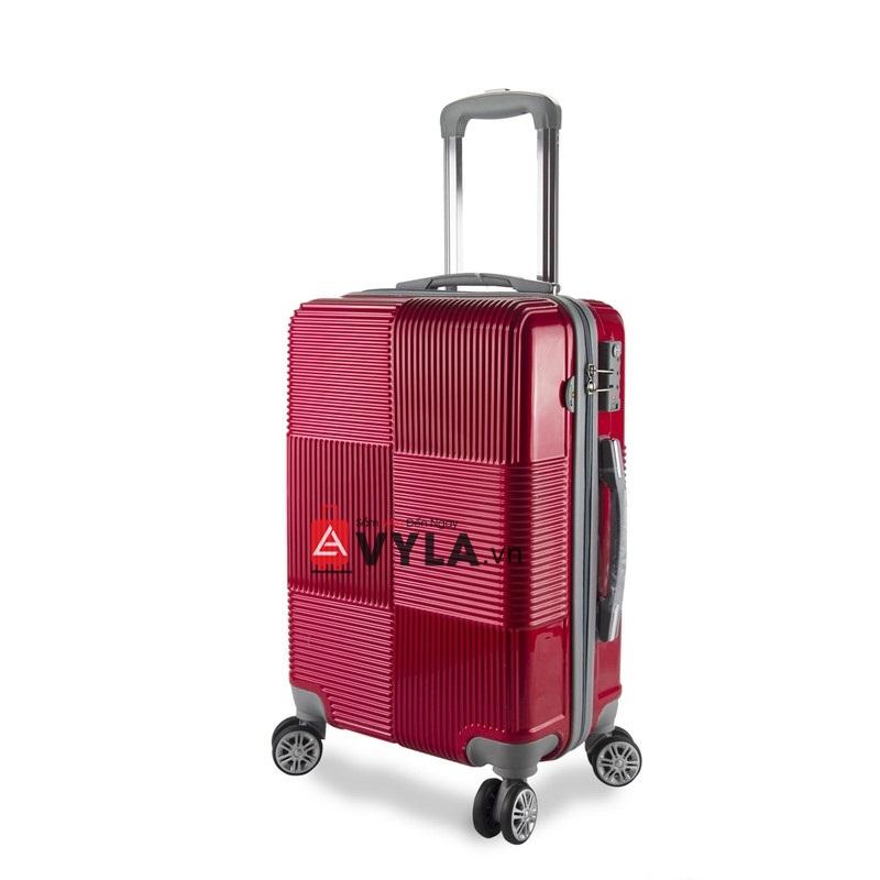 Tay cầm khá chắc chắn của chiếc vali 6 ô vuông