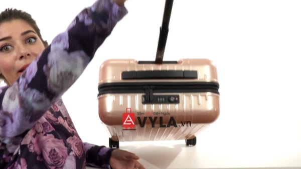 Vali kéo nhựa trơn rimowa màu hồng size 20 mẫu 1 đẹp giá rẻ tại sg
