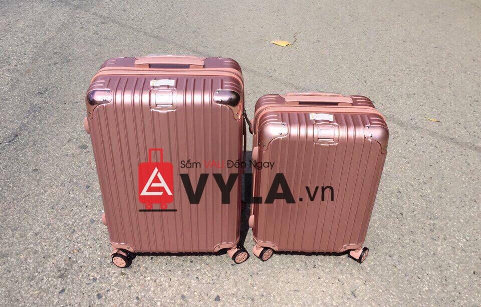 Vali kéo nhựa rimowa màu hồng rất nhiều size