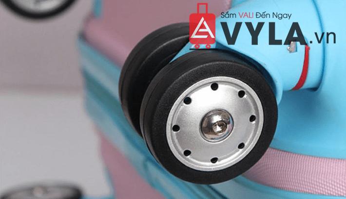 Bánh xe có thể di chuyển linh hoạt 360 độ