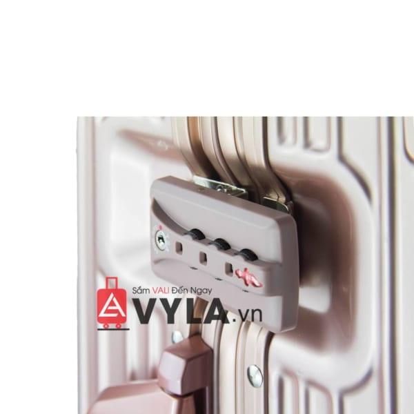 Vali khung nhôm khóa sập màu tím mẫu 1 tphcm
