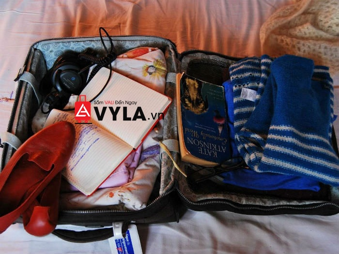 cách xếp đồ vào vali du lịch