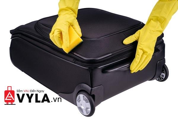 Vali được làm sạch và giữ gìn cẩn thận sẽ có độ bền cao