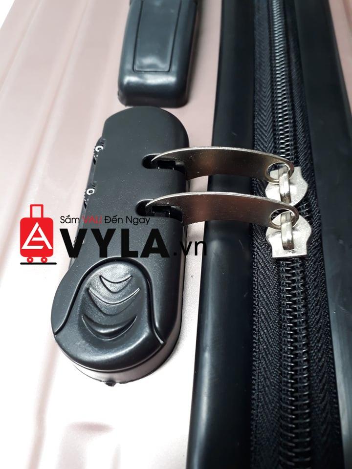 cách mở vali bị khóa
