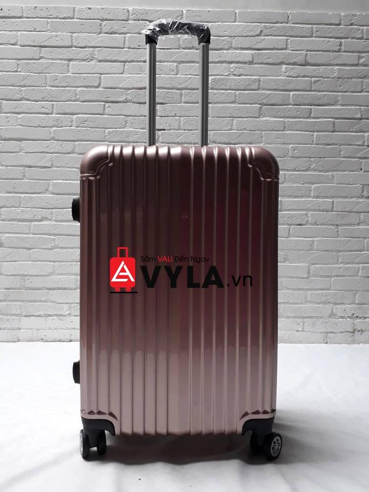 vali size 24 đựng được bao nhiêu bộ đồ