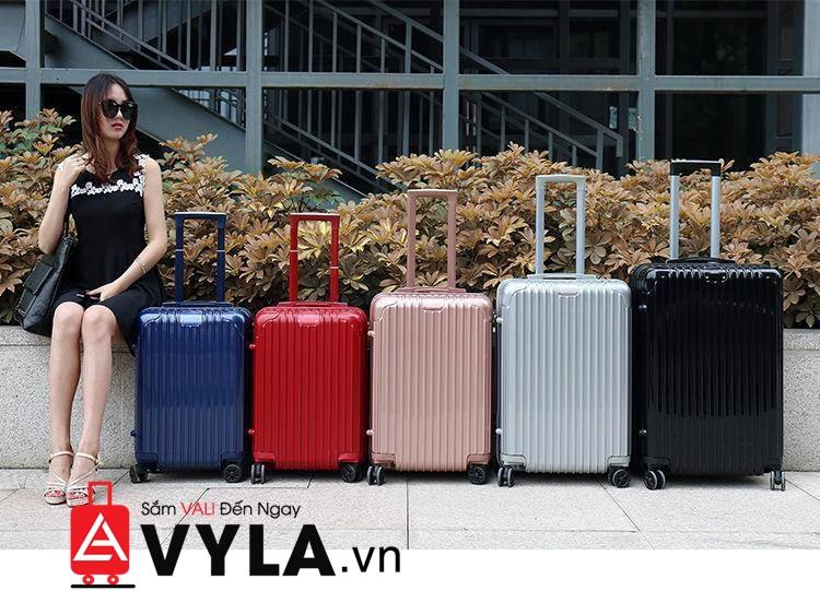 vali size 20 đựng được bao nhiêu kg