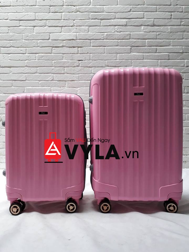 vali size 22 đựng được bao nhiêu kg