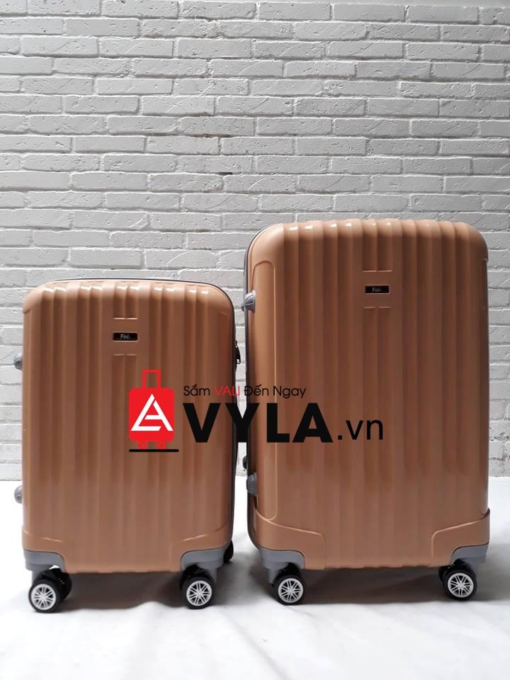 vali size 25 đựng được bao nhiêu kg