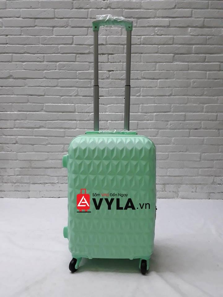 vali size 20 đựng được bao nhiêu bộ đồ