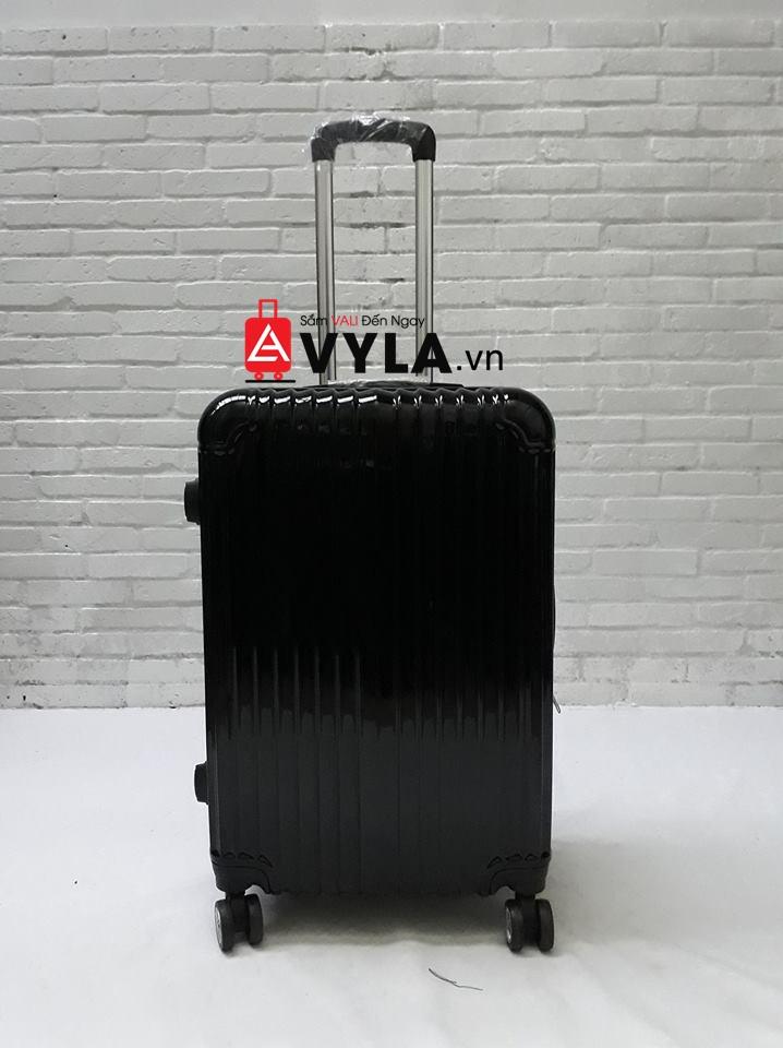 vali 20 inch đựng được bao nhiêu đồ